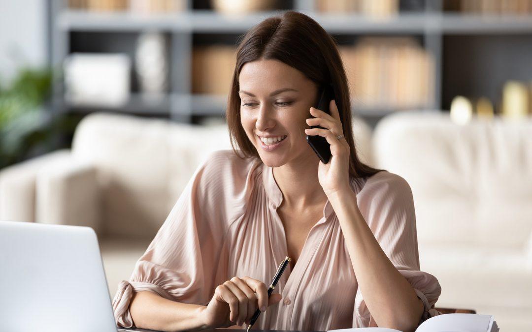 """8 Tipps für Ihre erfolgreiche """"Stimmpersönlichkeit"""" am Telefon – Regina Wengenroth"""